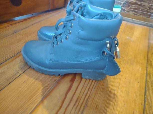 Sprzedam buty zimowe roz 37