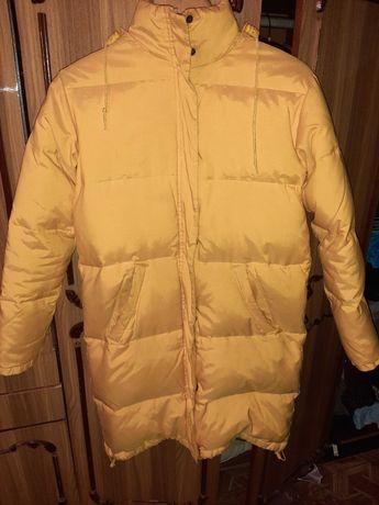 Зимняя куртка ( пуховик) 1000рублей