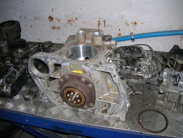 silnik hatz supra 1d80s