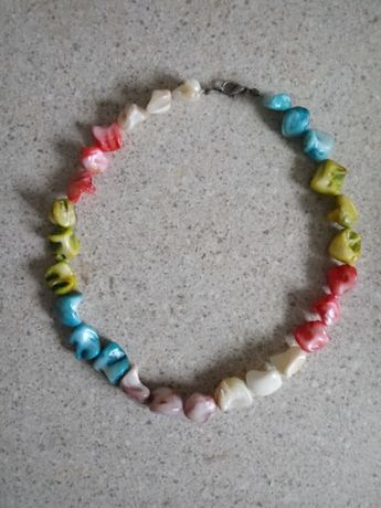 Korale z kamieni naturalnych barwione, nieregularny kształt