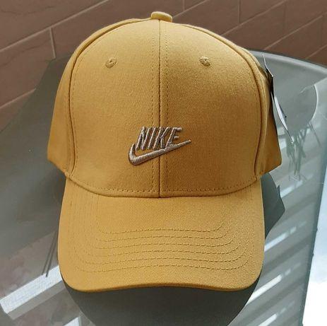 Бейсболка, кепка жёлтая