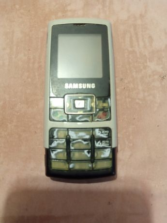 Телефон марки самсунг на запчастини.