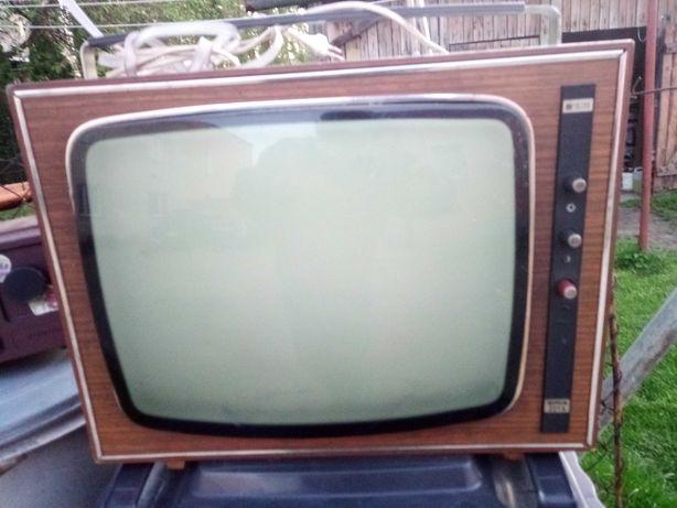 Zabytkowy telewizor Neptun 221,radio i magnetofon szpulowy