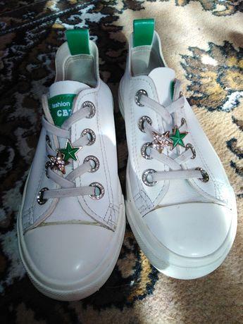 Кеды и туфли на девочку