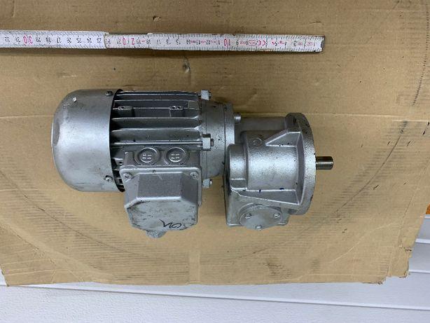 Przekładnia, motoreduktor, silnik 0,12kw 108 obr