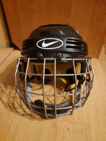 Продам шлем для хоккея