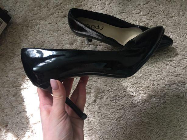 Туфли лакированные,черные!Новые! 37 размер Zara H&M
