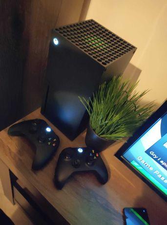 Xbox Series X (5 gier,2pady,2akumulatory,stacja dokująca)