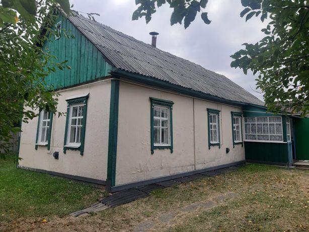 Продам хату в Селі Ставище, по Житомирській трасі, 65км від Києва