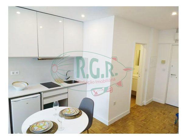 Investimento - Excelente Apartamento T0 - Mobilado e equi...