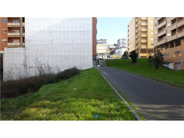 Vende-se Terreno Para Prédio- Braga