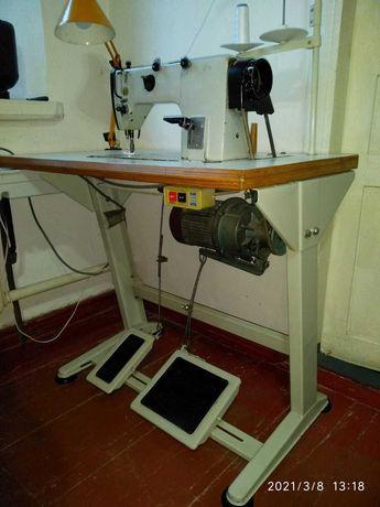 Швейная машинка 1022М.
