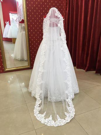 Продам свадебное платье+ ПОДАРОК(кольца под платье)