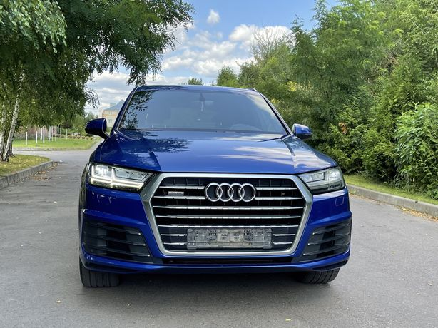 Продам Audi Q7