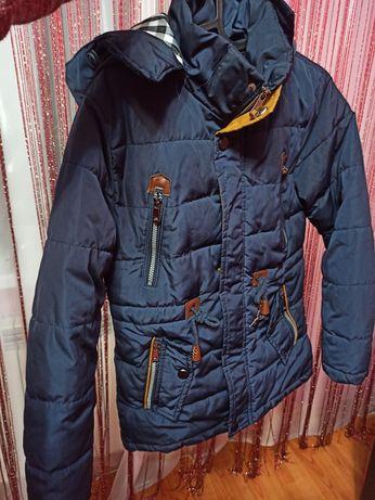 Продам куртку у дуже хорошому стані
