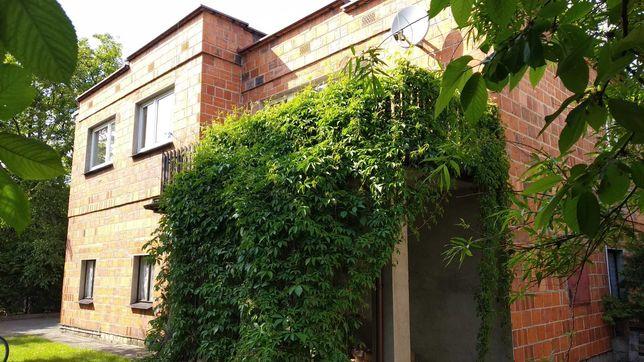 Dom jednorodzinny w Strzałkowie - dużo zieleni - działka 1500 m kw.
