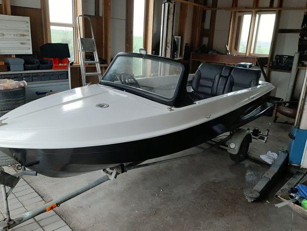 Łódka motorówka sportowa wędkarska laminat