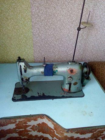 Швейная машинка ++ оверлок