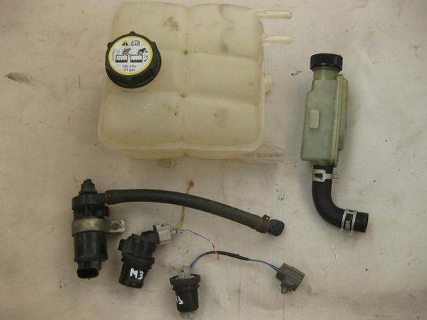 Насос омывателя фар стекла моторчик бачок гидроусилителя Mazda 3 разбо