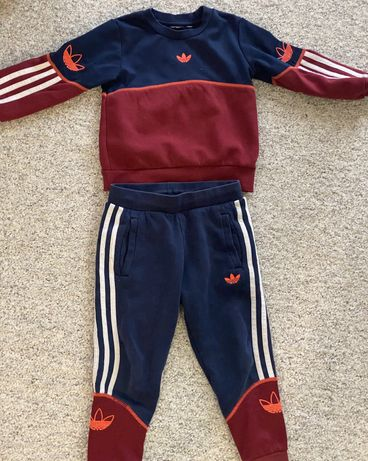 Adidas костюм спортивный 110 р.