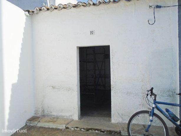 Moradia em aldeia típica alentejana - Pias