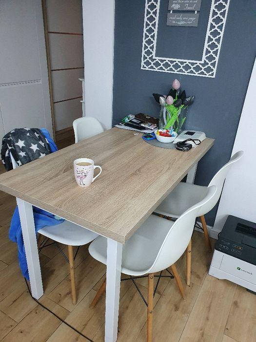 Zestaw 4 białych krzeseł Brodnica - image 1
