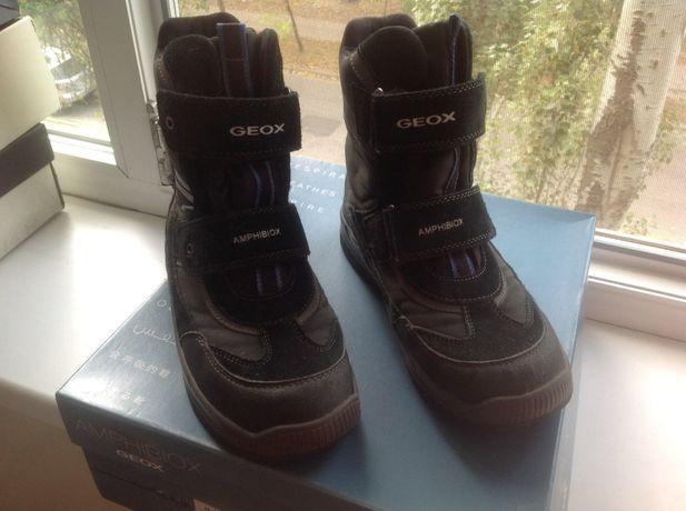 Ботинки (сапоги) на мальчика фирмы Geox 38 размер