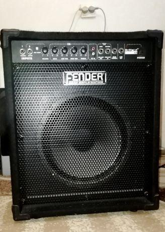 Fender 60-ваттный басовый комбоусилитель