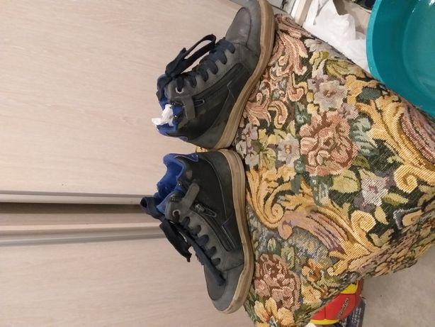 Продам осенние ботинки GEOX 31 размер