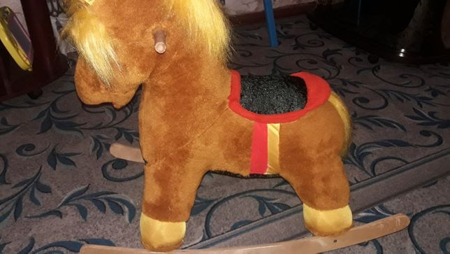 Лошадка-качалка в идеальном состоянии.