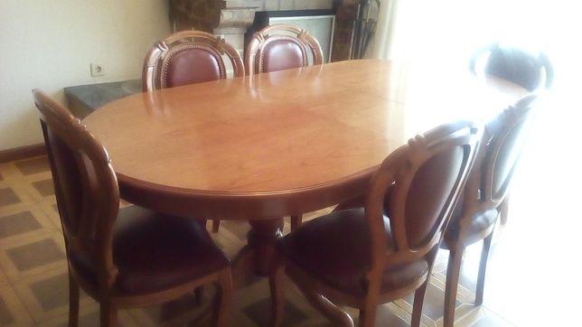 Mesa de Sala de Jantar e 6 cadeiras em pele