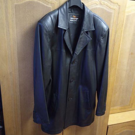 Мужской кожаный пиджак  . размер М.
