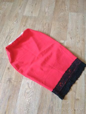 Продам червону юбку в ідеальному стані 42-44 розмір