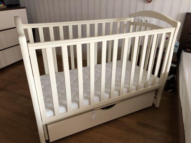 Кроватка с маятником + матрас