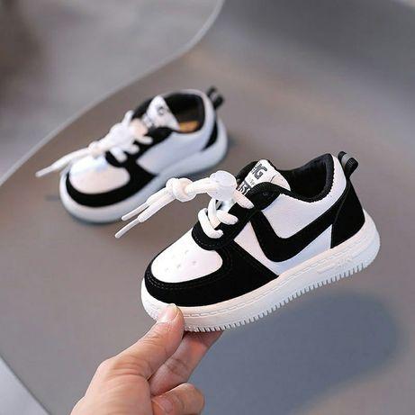 (уценка) кроссовки на мальчика