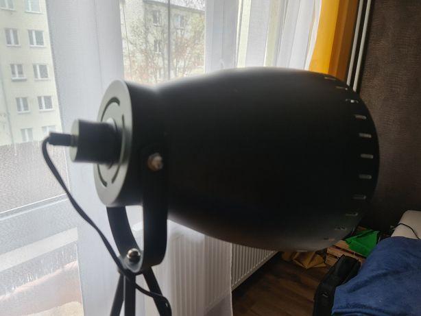 Lampa loftowa czarna z wlacznikiem
