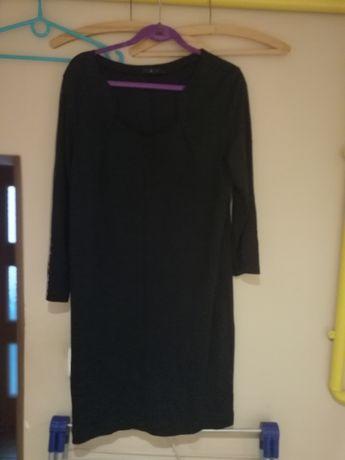 Sukienka czarna dekolt karo