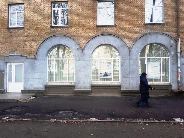 Помещение 178 м2 с витринами под банк, офис, магазин. Нивки, Победы,75