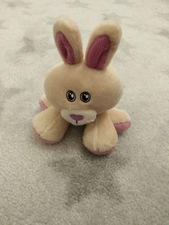 Pluszak maskotka przytulanka królik