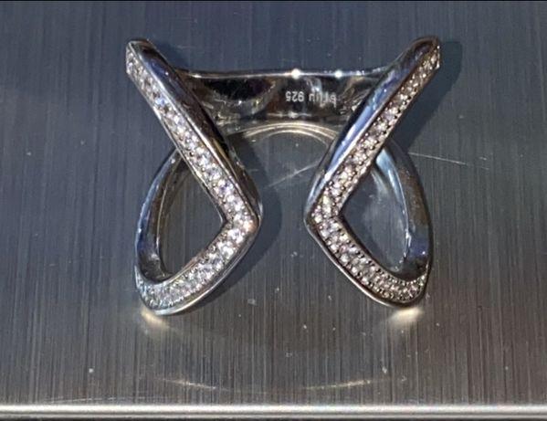 Piękny srebrny pierścionek BRIU z cyrkoniami pr.925 NR 1