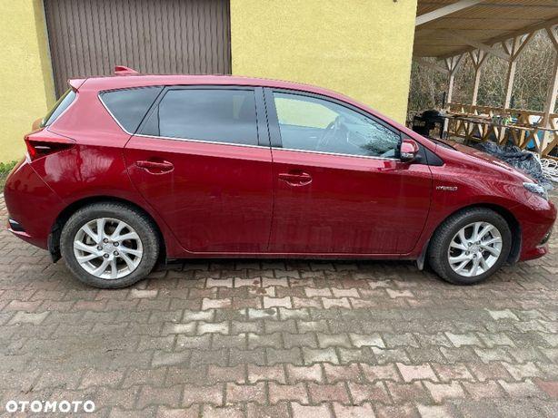 Toyota Auris Toyota Auris Hatchback Hybrid 135 Prestige Metalik Perłowy Faktura VAT