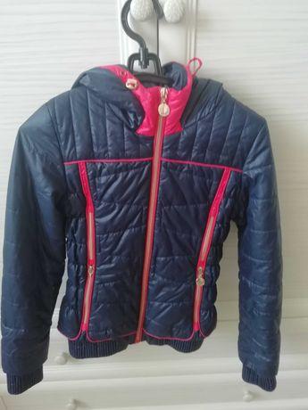 Куртка на девочку  122р