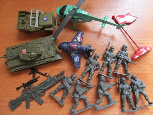 Солдатики,военный набор