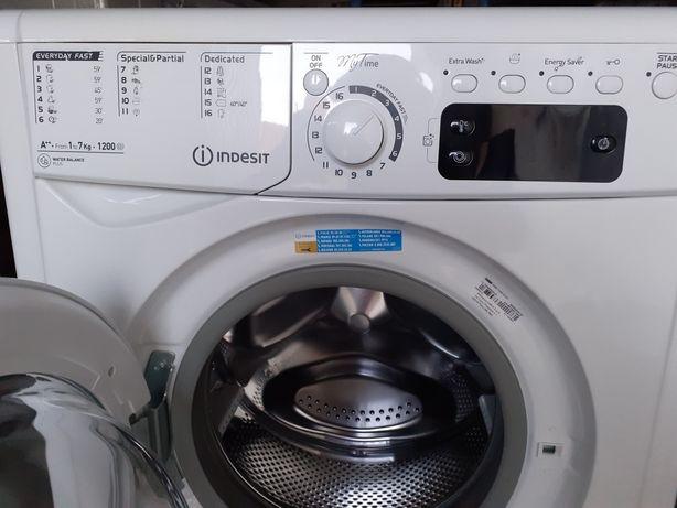 Máquina de lavar roupa - Semi Nova