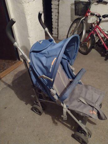 Wózek spacerowy.
