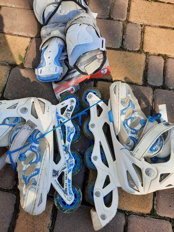 Спортивные роликовые коньки с  защитой