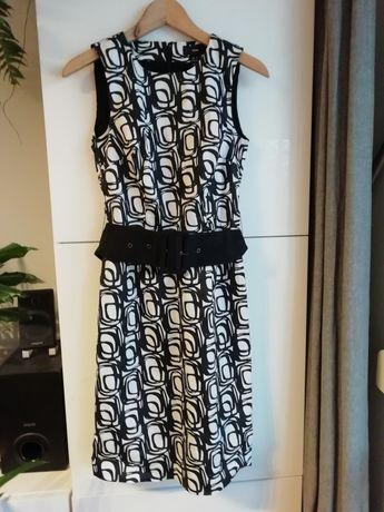 Dłuższa elegancka sukienka na podszewce