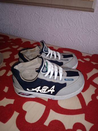 Фирменные кроссовки, кеды, туфли, макасины, ботинки. Размер 29см