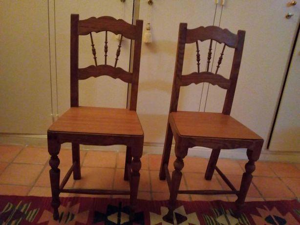 Par de cadeiras românticas