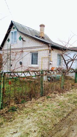 Газифікований будинок в Новоукраїнці з виходом до озера.